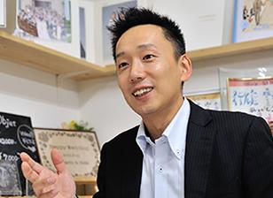 株式会社村重スタジオ 専務取締役 村重 順土